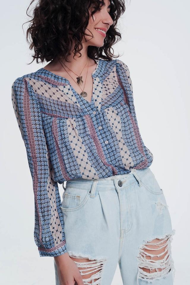 Camicia di colore blu con stampa