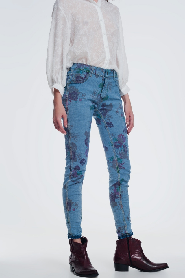 jeans attillati in denim stropicciato