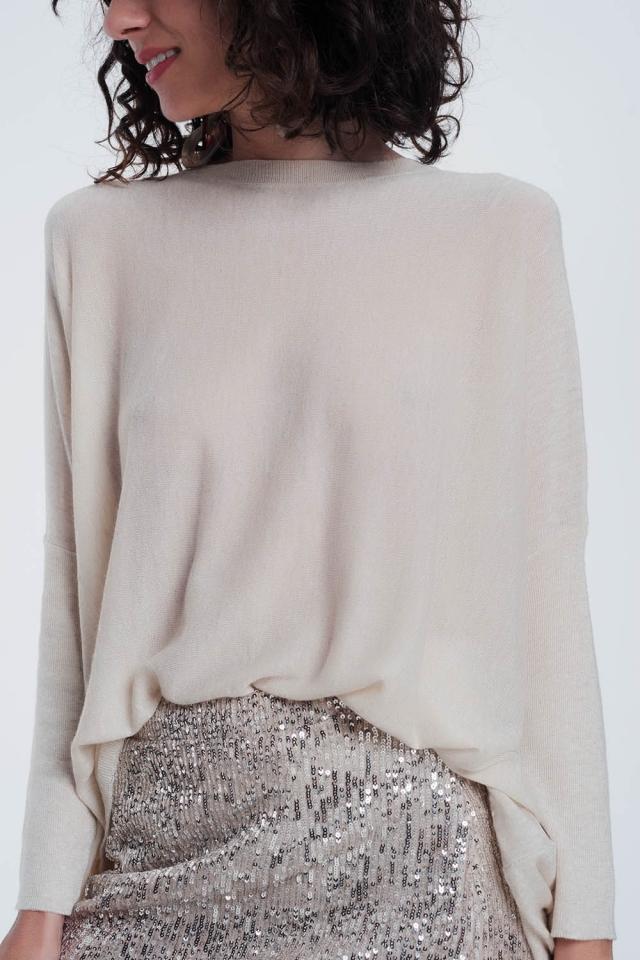Maglione di beige con maniche strette girocollo