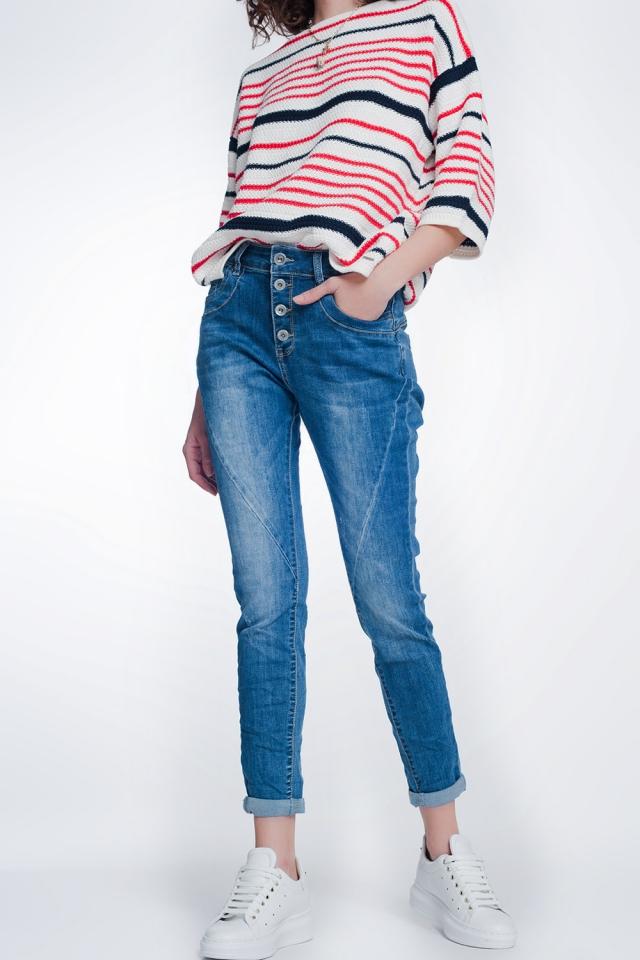 Jeans boyfriend con bottoni e lavati medio
