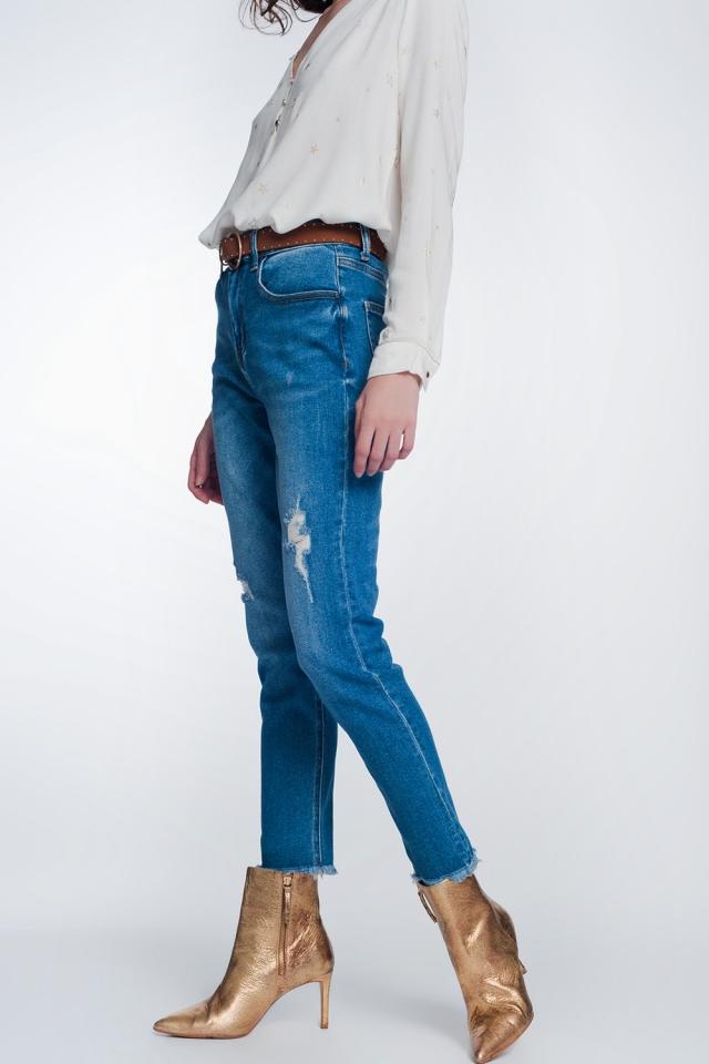 Jeans dritti con scollo al ginocchio in blu medio