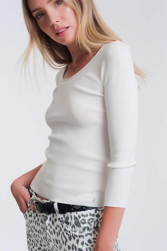 Maglione operato con scollo ampio bianco
