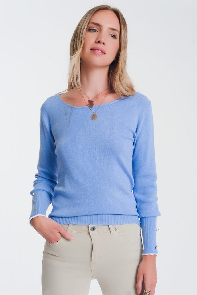 Maglione blu con scollo a barchetta con bottoni
