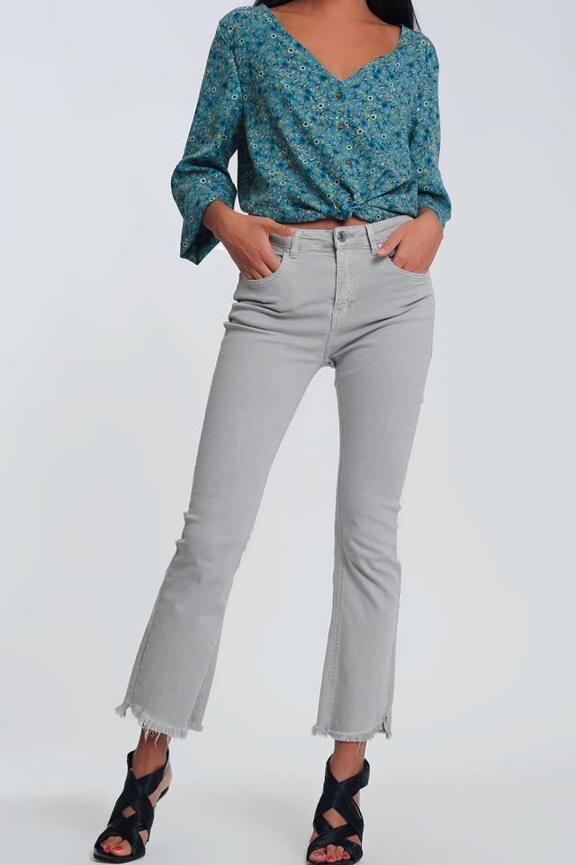 jeans straight grigio con caviglie larghe