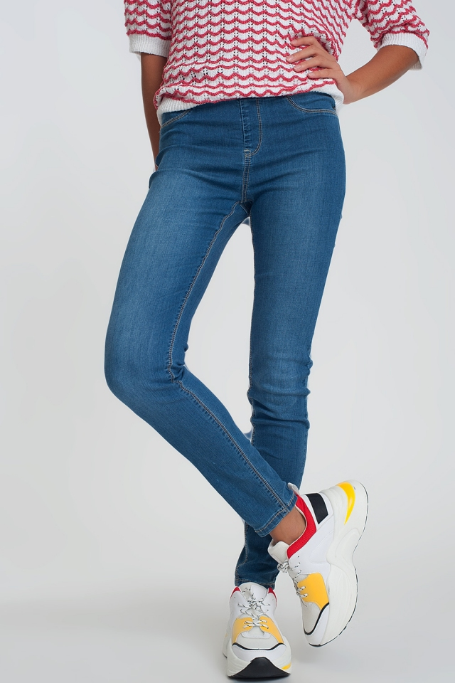 Legging jeans in light denim slightly darker wash