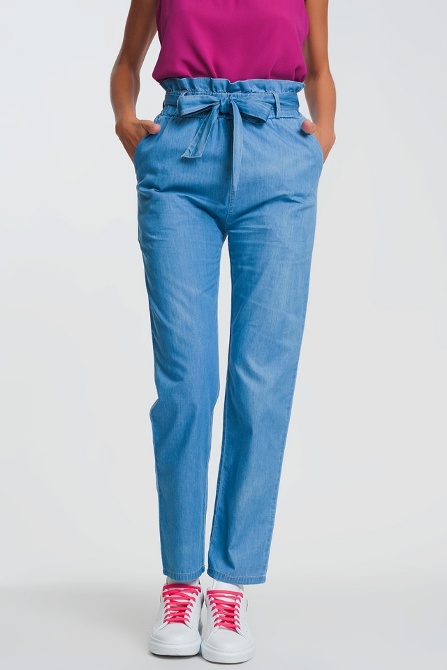 Jeans leggeri paperbag con vita raccolta e cintura