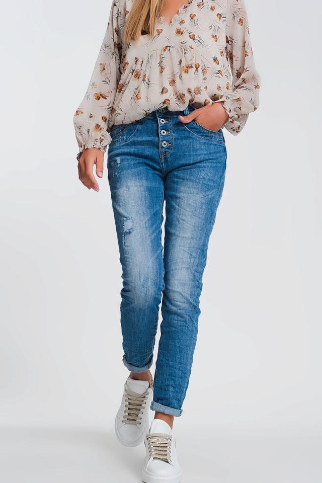 Jeans boyfriend chiari con dettagli strappati