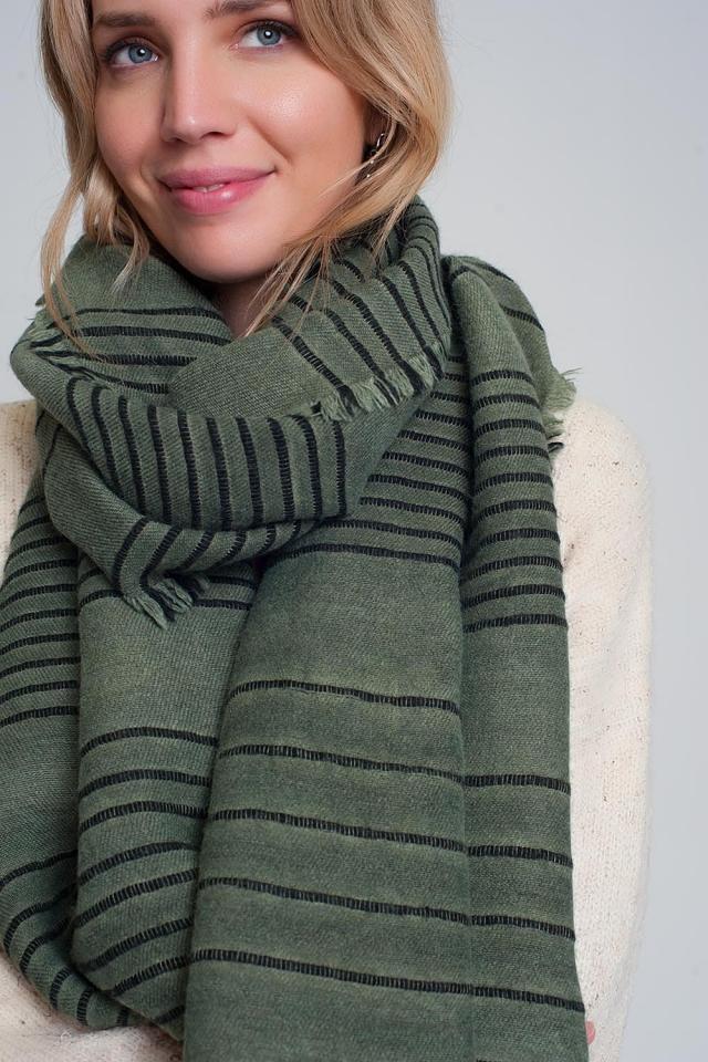 Sciarpa verde con strisce nere