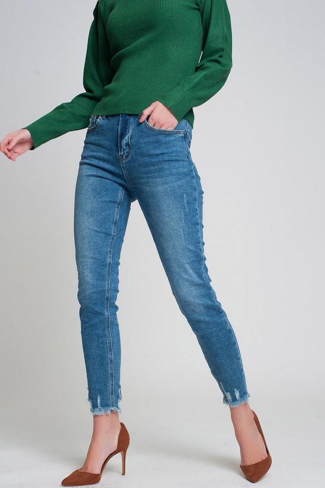Jeans regular fit con orlo grezzo in blu lavaggio scuro