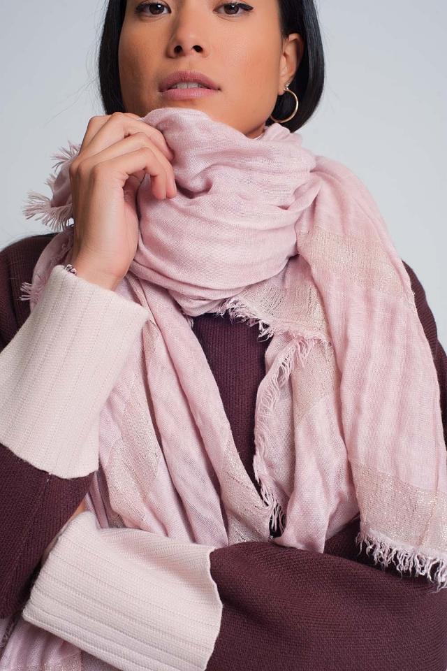 Sciarpa leggera in rosa con strisce dorate