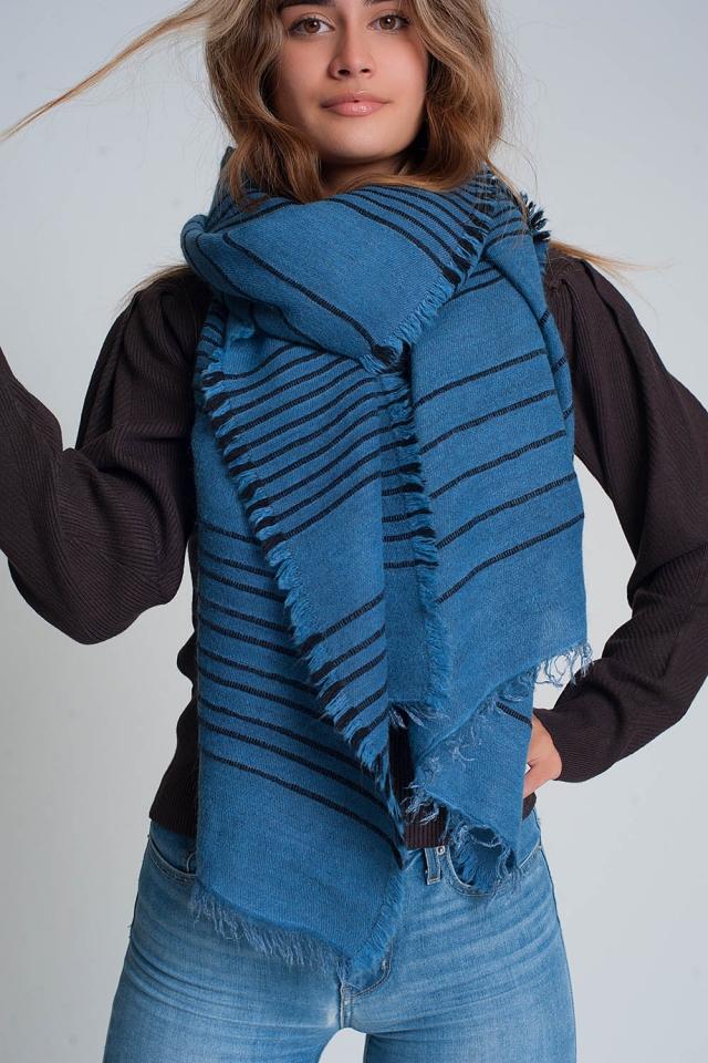 Sciarpa blu con strisce nere