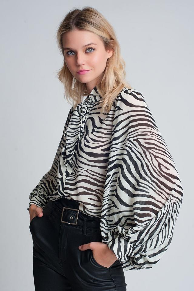Camicia comoda con maniche ampie e stampa zebrata
