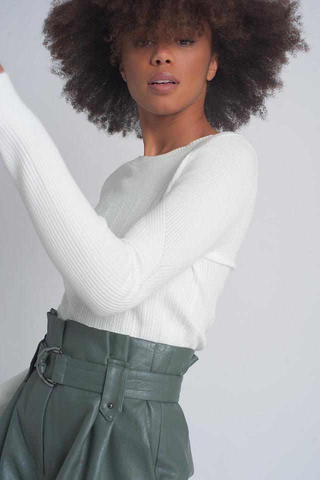 Maglione girocollo a coste color crema