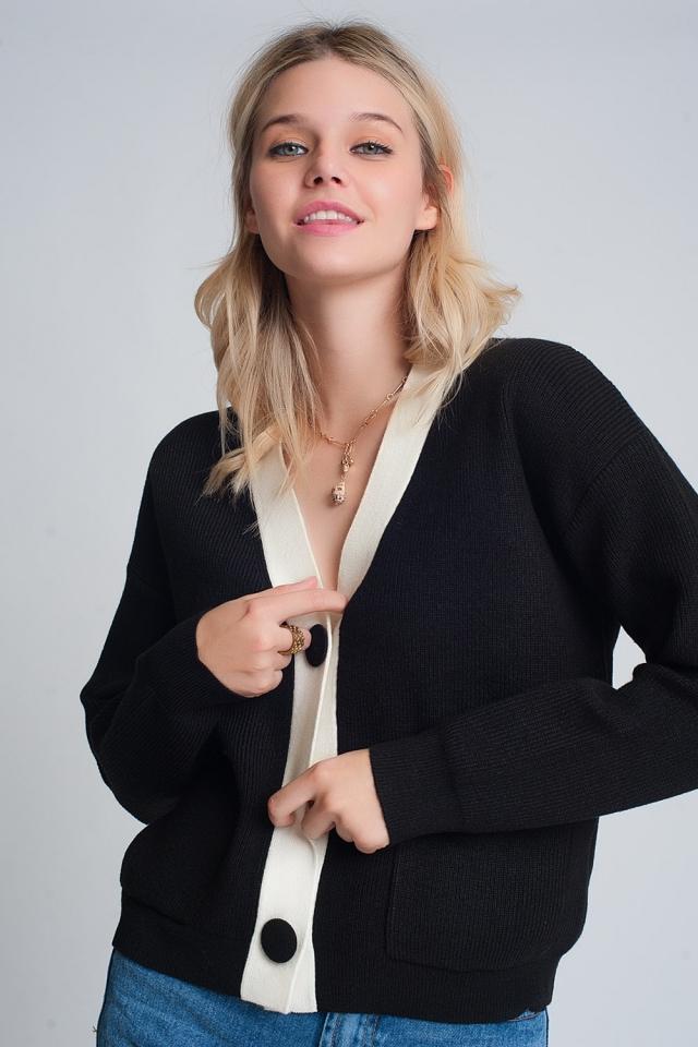 Cardigan in maglia con dettagli bianchi in nero