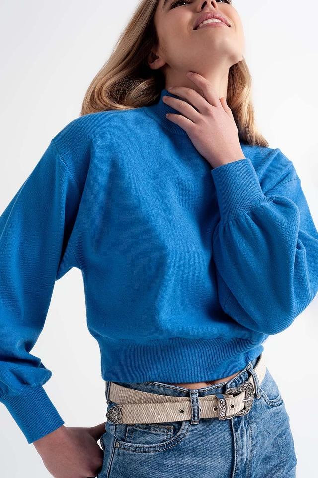 Maglione corto con collo a imbuto blu