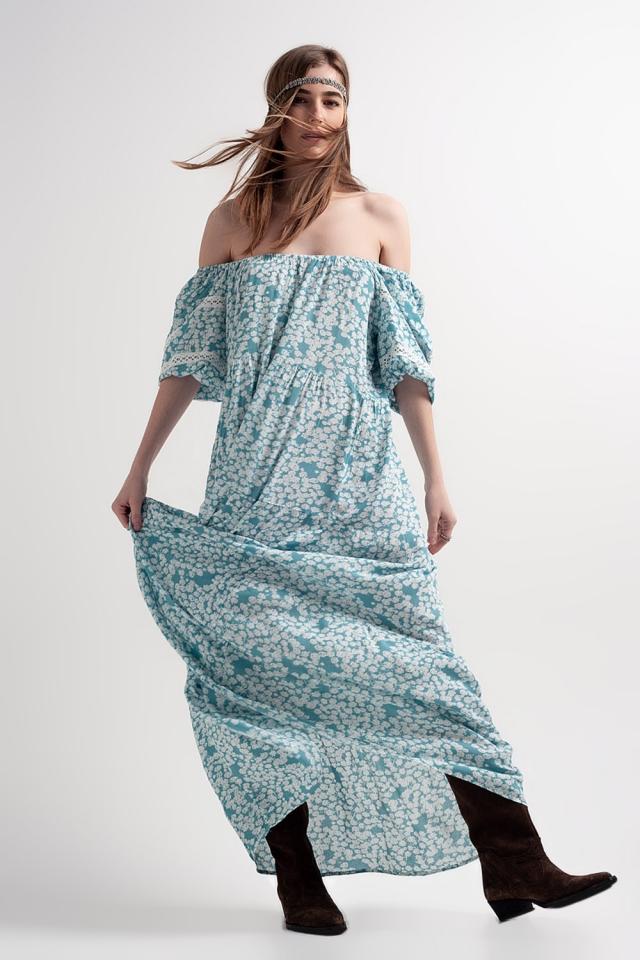 Vestito lungo turchese arricciato a fiori con spalla scesa