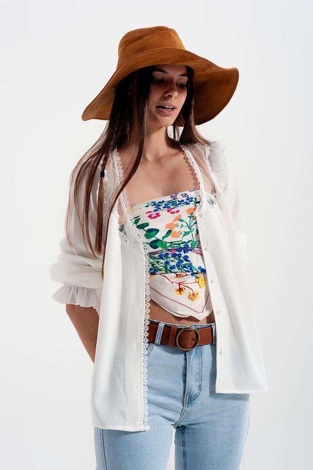 Camicia con inserti in pizzo in bianco