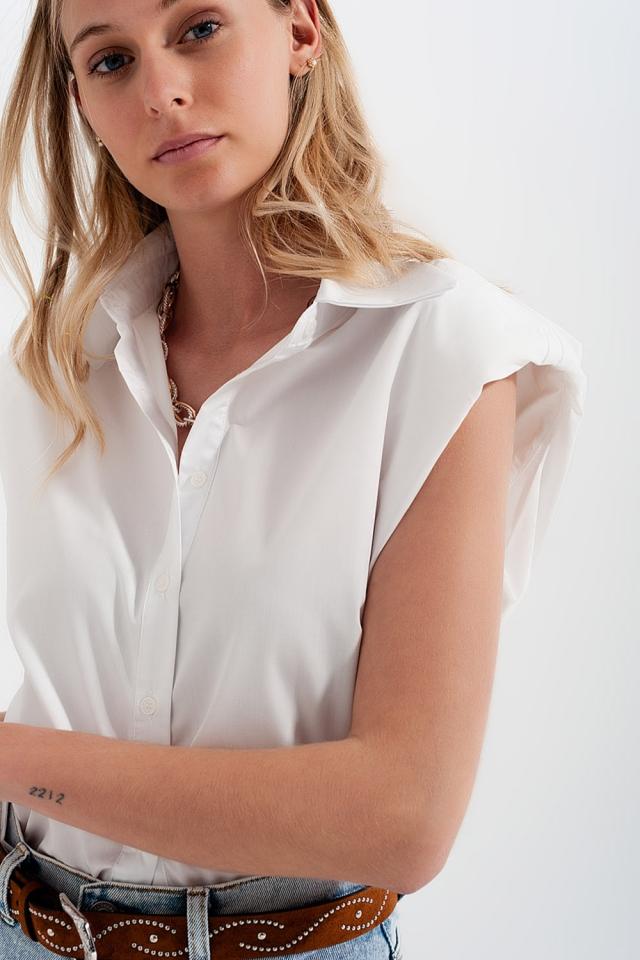 Camicia button down senza maniche con spalle imbottite bianco