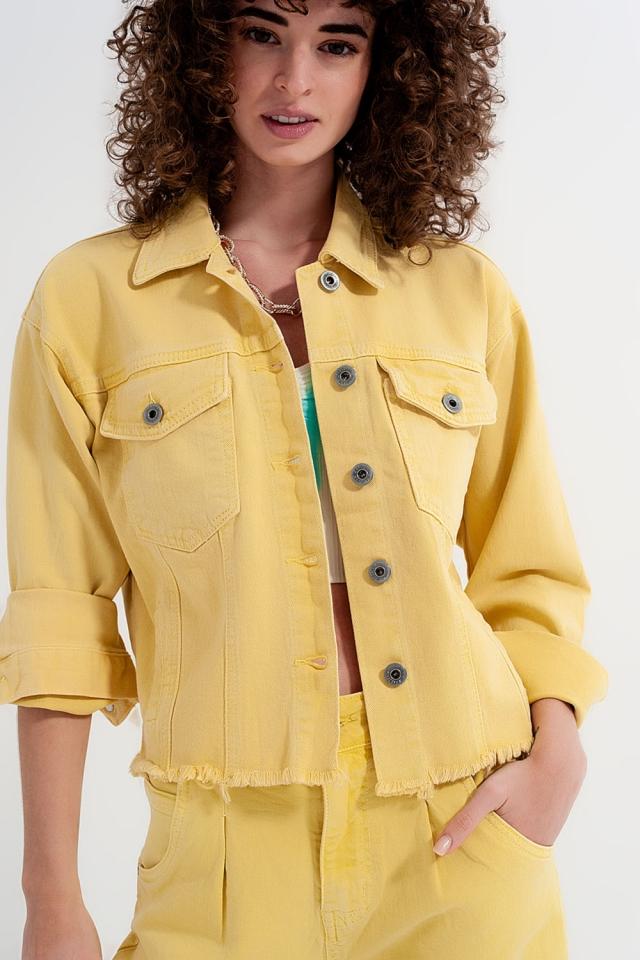 Giacca di jeans giallo con fondo grezzo