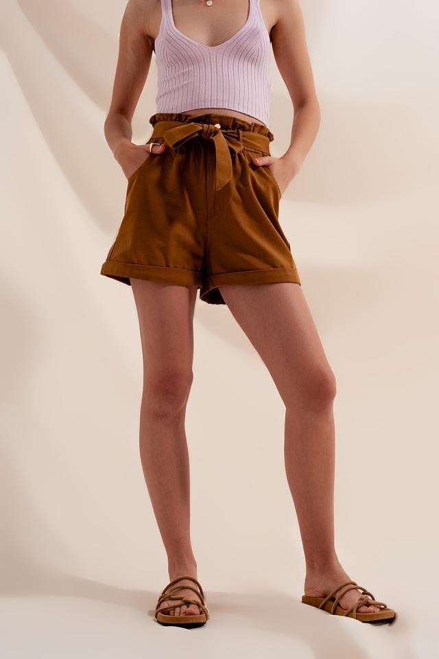 Pantaloncini cammello con cintura in vita