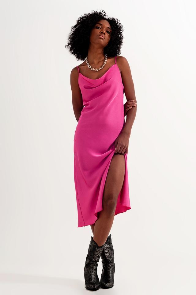 Vestito corto in raso con spalline sottili rosa vivo