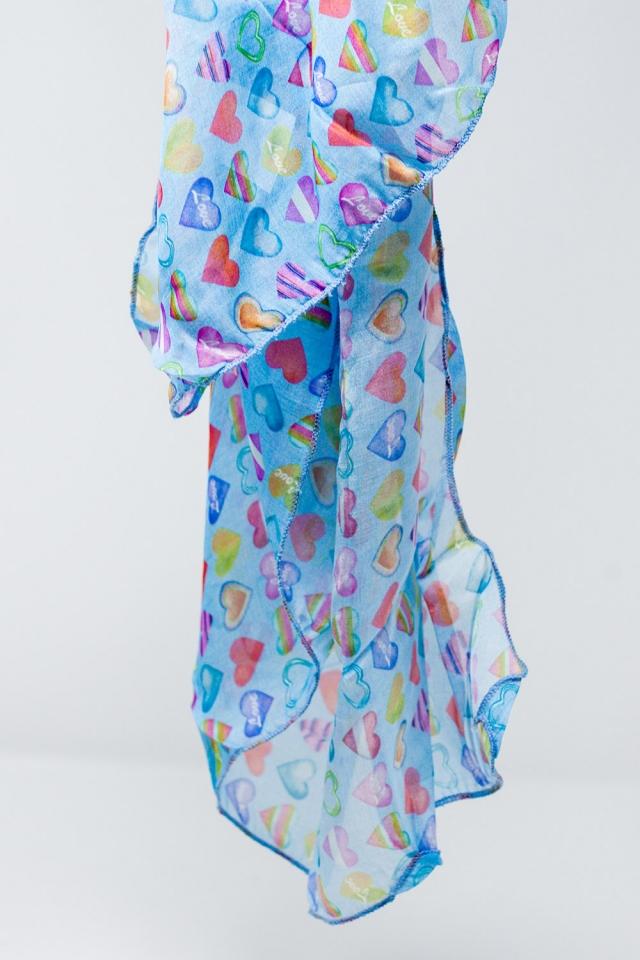 Sciarpa blu con stampa di cuori multicolore