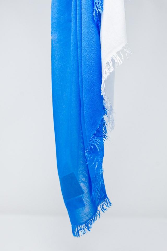 Sciarpa leggera in blu