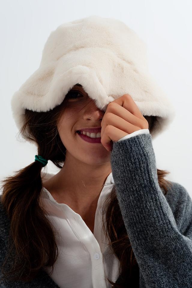Cappello da pescatore reversibile color panna double-face in peluche