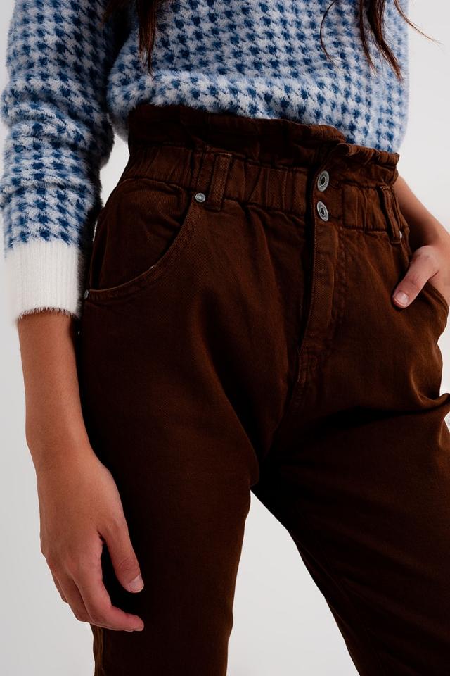 Mom jeans con cintura elasticizzata paperbag marrone