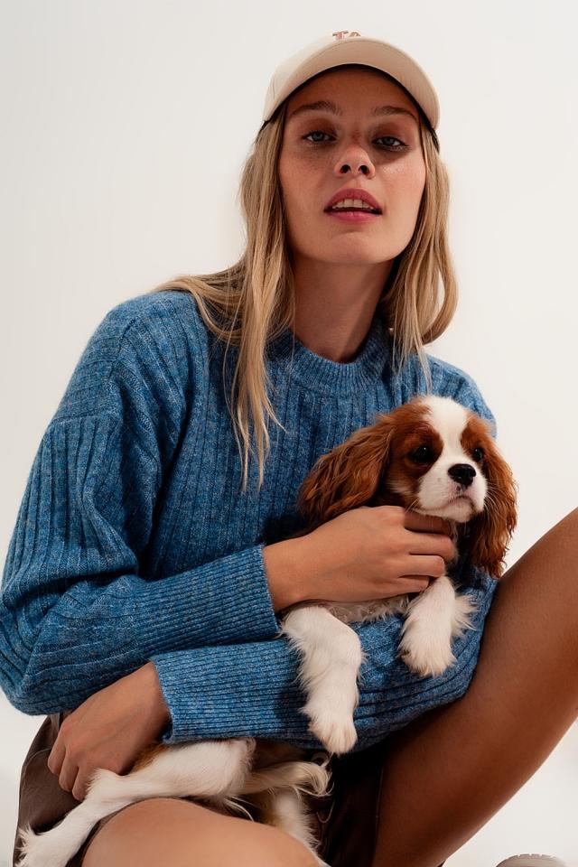 Maglione squadrato in tessuto spesso blu con cuciture a vista